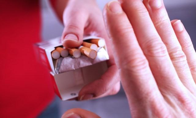 addio medicina-online-smettere-di-fumare-champix-vareniclina-fumo-sigaretta-top-tabacco-nicotina-tabagismo-dipendenza-tossicodipendenza-danni-farmaco-aiuto-pacchetto-sigarette-sapore-can