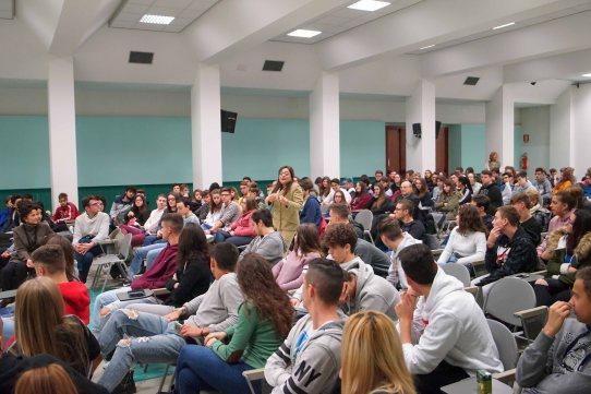 per zonta liceo scientifico teatro34