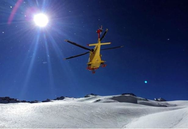 valanga_slavina_montagna_alpinisti_elicottero_soccorso_lapresse_2018_thumb660x453