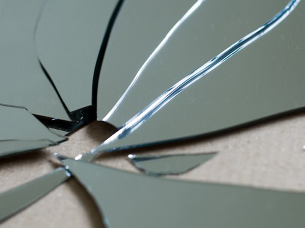 shatterd mirror