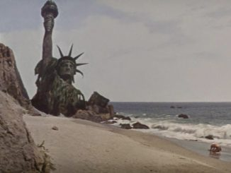 2-planet-of-the-apes-statue-of-liberty-02-326x245