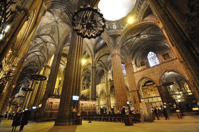 1280px-Cathedral_of_Santa_Eulalia_Barcelona