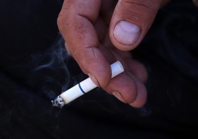 cigarette-3305408_960_720.jpg