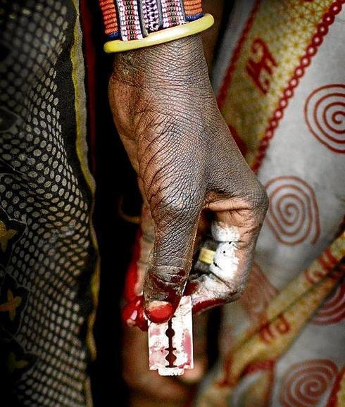 http www.diariosur.es internacional africa 201411 24 cuchilla-verguenza-20141124181