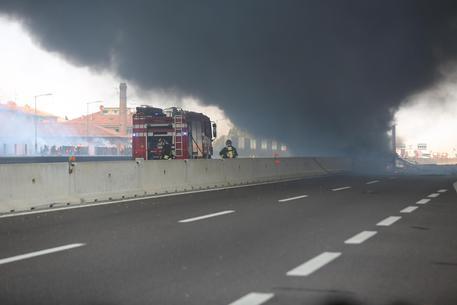 Incendio a Bologna: almeno una ventina i feriti
