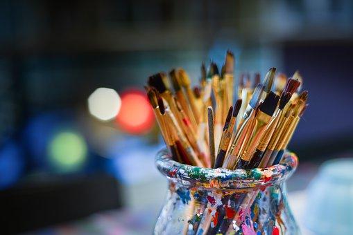brushes-3129361__340