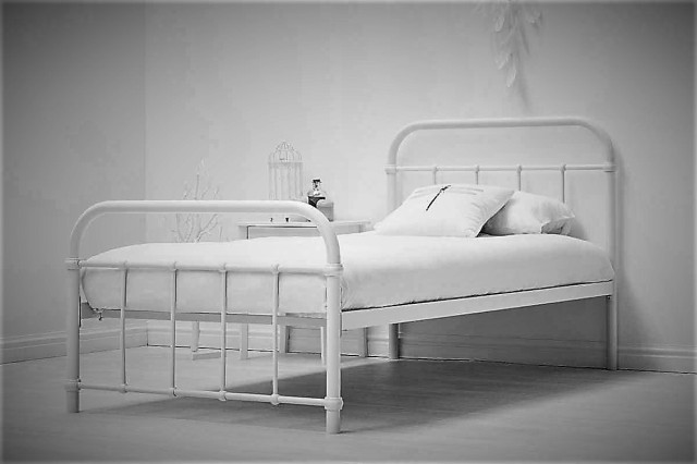 henley-white-metal-bed-single1_1