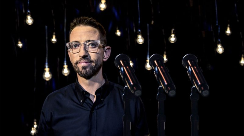 Neal Brennan: 3 Mics; e le stand-up comedy