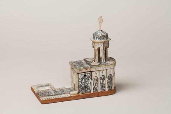 vidua Modellino reliquia rappresentante il Santo Sepolcro, artigiano di Betlemme-palestinese, ante 1808, legno d'ulivo e madreperla incisa