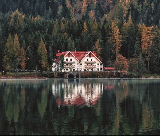 house-outdoors-park-1019980.jpg