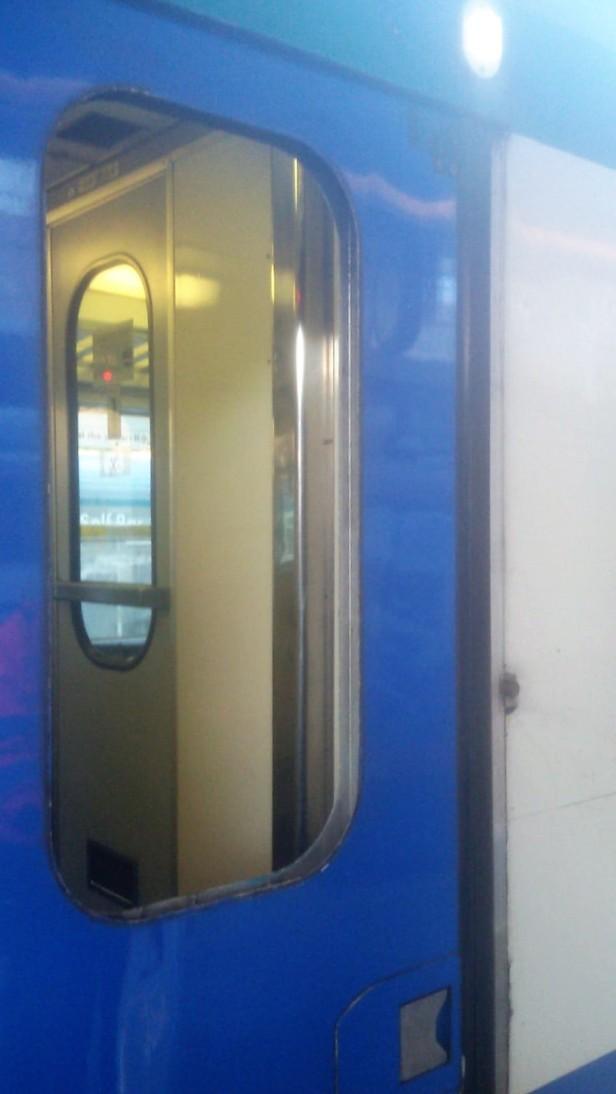 treno vandalizzato2_gennaio 2019