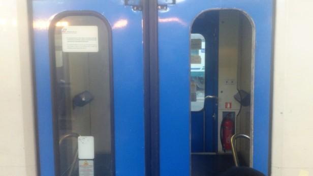 treno vandalizzato_gennaio 2019