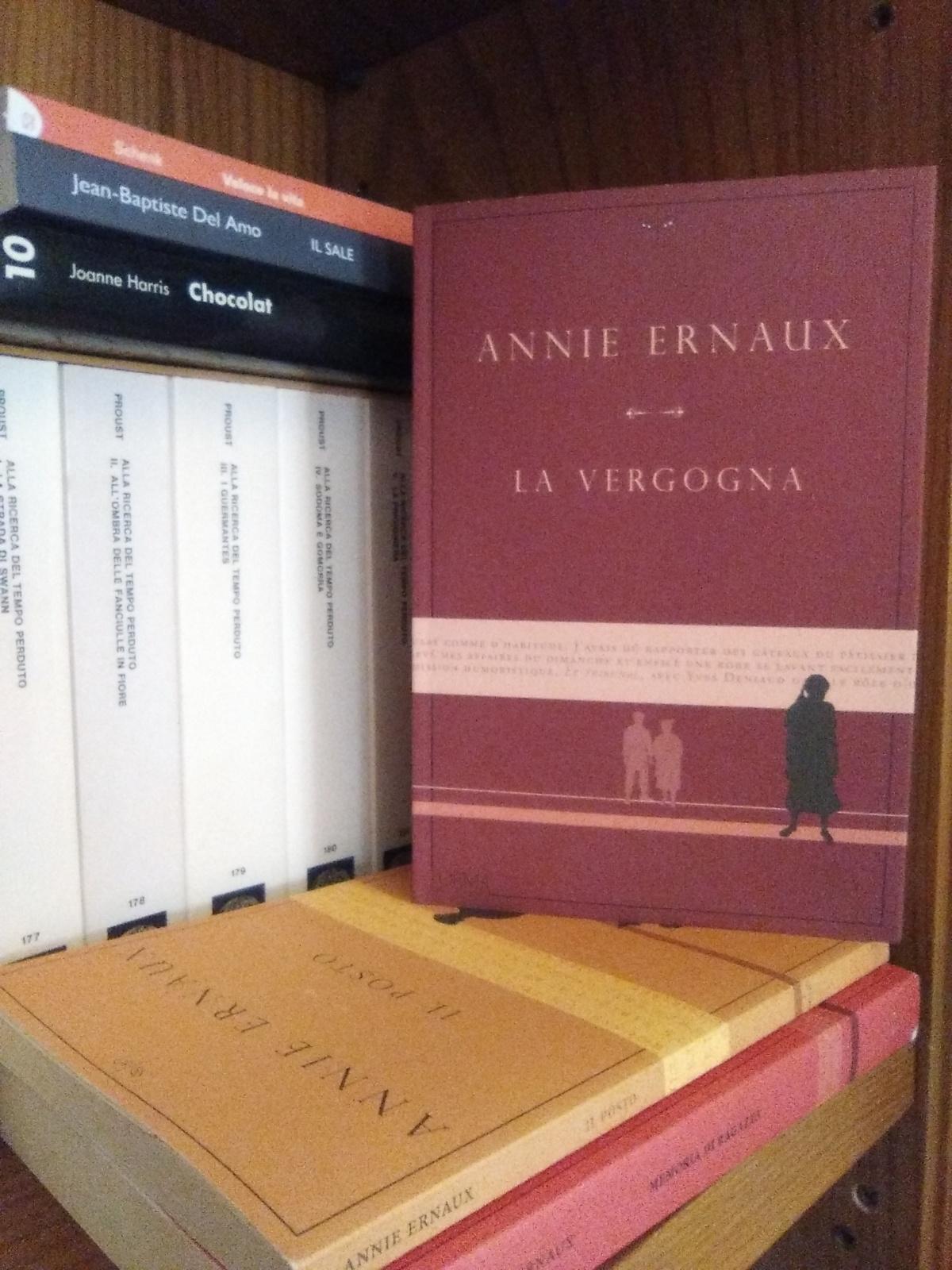 """Annie Ernaux, La vergogna. """"L'aspetto peggiore della vergogna è che si crede di essere gli unici aprovarla"""""""