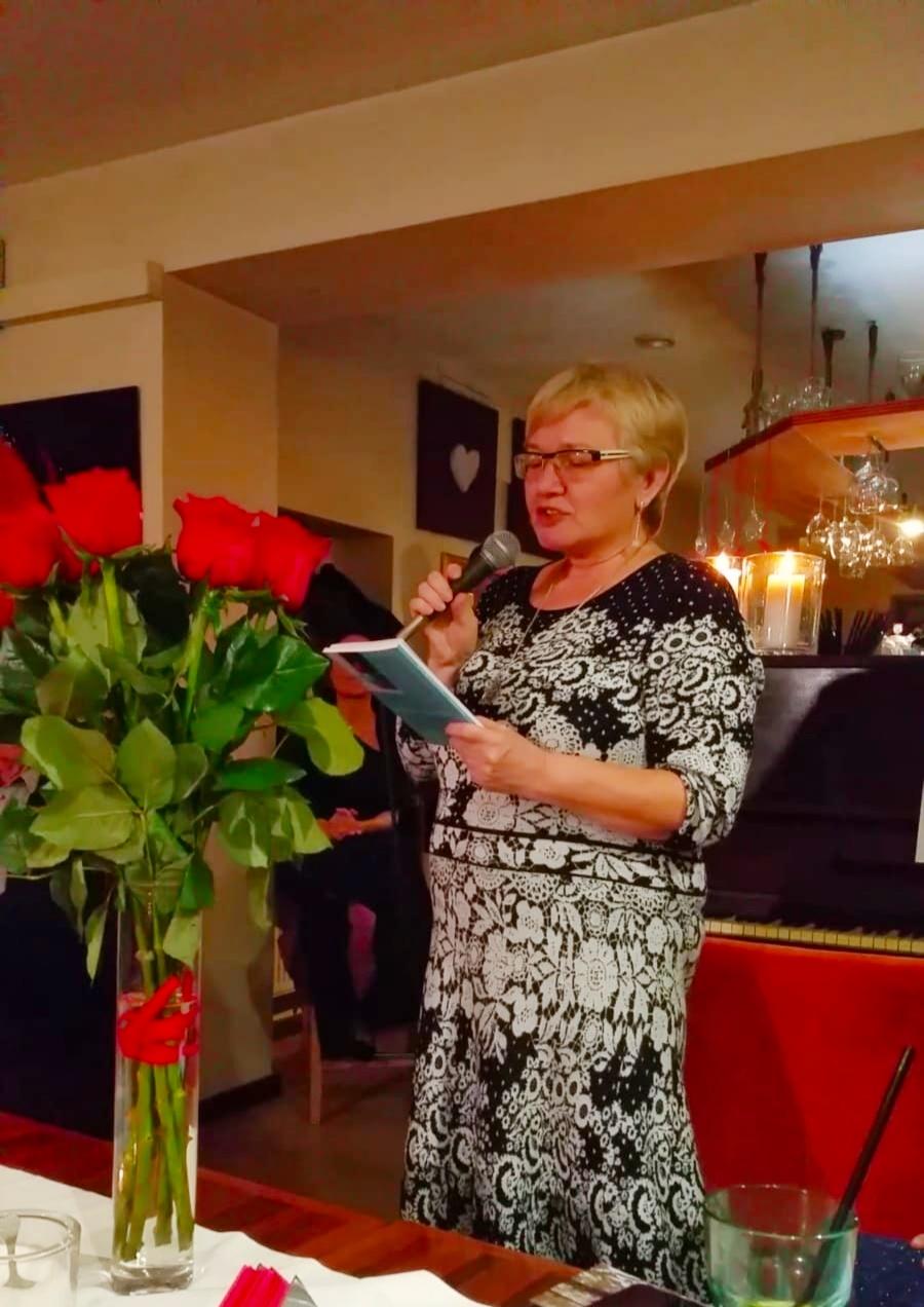ANGOLO DI POESIA: ALICJA KUBERSKA – il vento poetico dalla lontanaPolonia