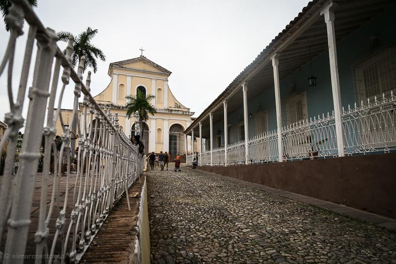 Trinidad-Plaza-Mayor-Chiesa