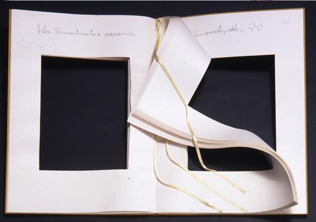 Vincenzo Agnetti, Libro dimenticato a memoria, 1970