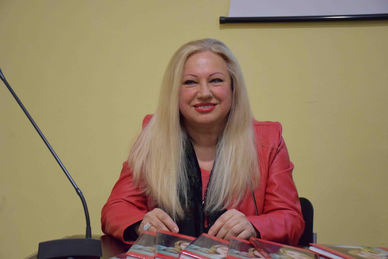 Francesca Parrilla copia 2.jpg