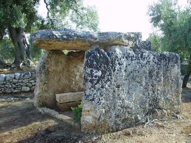 Il dolmen di Montalbano. La tavola deiPaladini