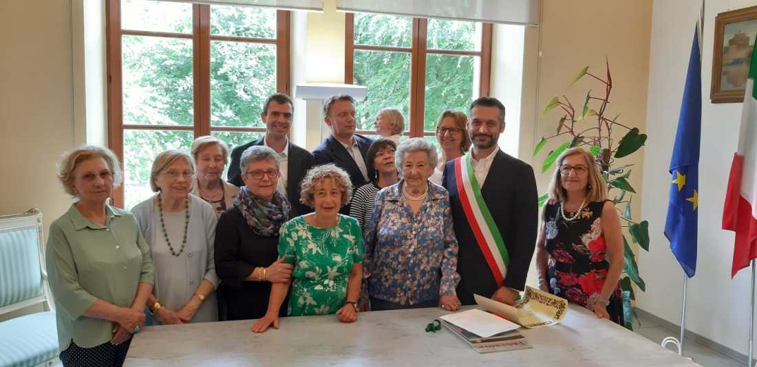 centenaria con familiari