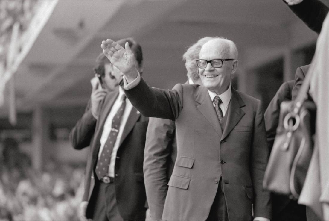 Sandro-Pertini-un-socialista-al-Quirinale.jpg