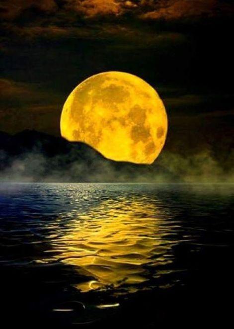 luna riflesso mare