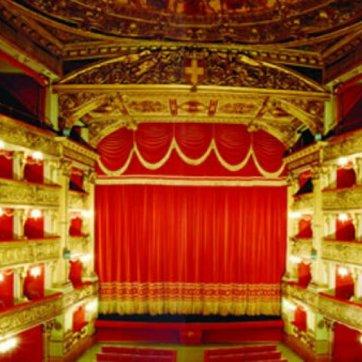 torino, teatro carignano 11848384634..jpg