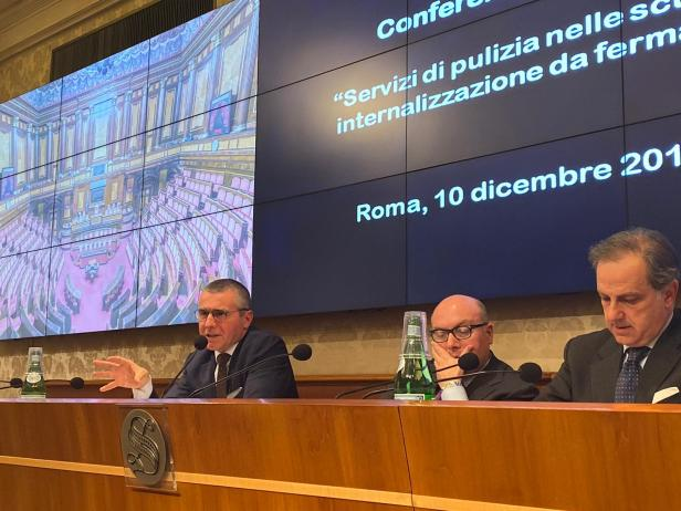 Berutti_Conferenza stampa_Internalizzazione servizi scuole
