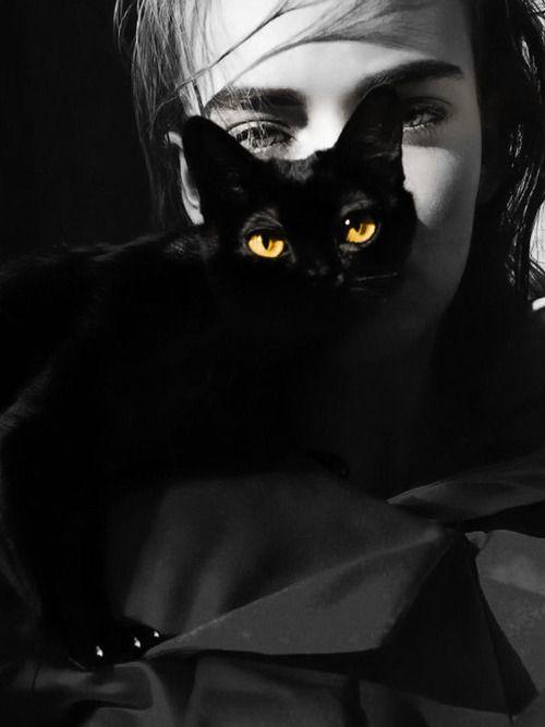 donna micio nero