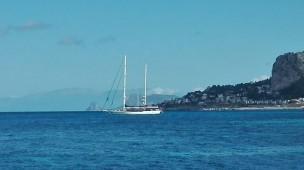 In navigazione sul golfo di Mondello