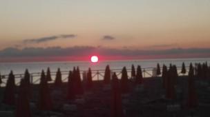 Alba dalla spiaggia di Mondello
