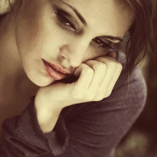 donna triste bis6
