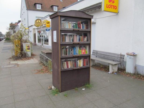 Bucherschrank,_1,_Liebrechts traße,_Waldheim,_Hannover