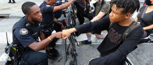 police-e-solidarietà-1024x764-700x300