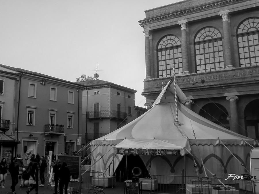 La Catena di Zampanò 2016 Premio italiano per gli artisti di strada Piazza Cavour - Rimini 22-10-2016